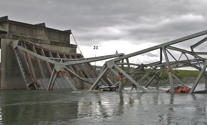 I-5%20Bridge%20collapse.jpg