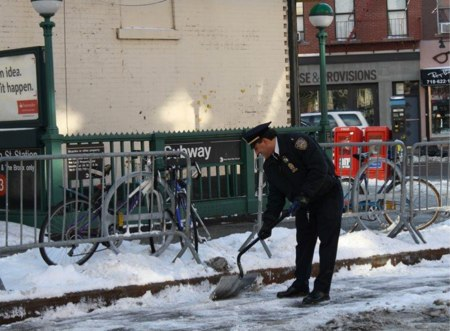 NY%20Bike%20lane%20snow%20shoveling.jpg