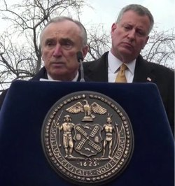 bratton%20and%20de%20Blasio.jpg