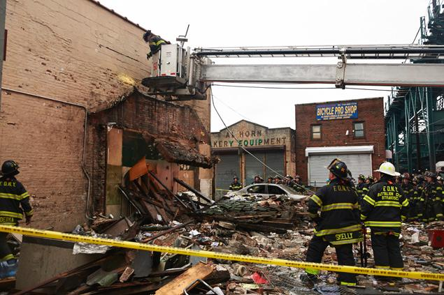 building-collapse-2601-westchester-avenue.jpg