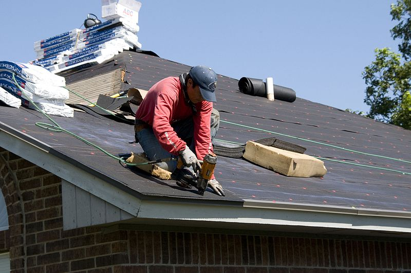roofers are the most at risk of falling