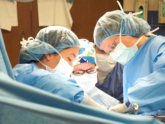 UW_surgery_and_residents